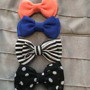 Mini hair bow set